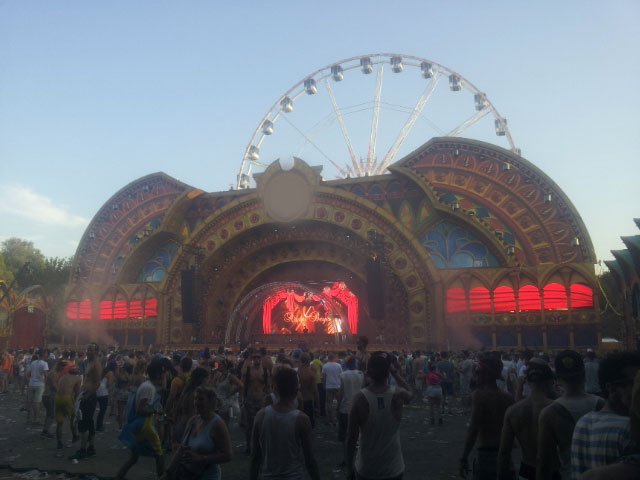 tomorrowland-stage
