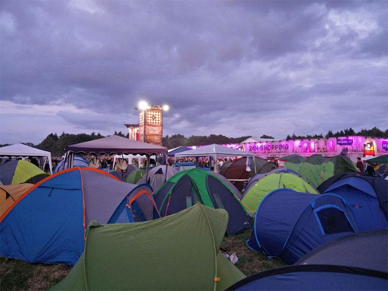 parookaville-campsite-penny-tower-zelte