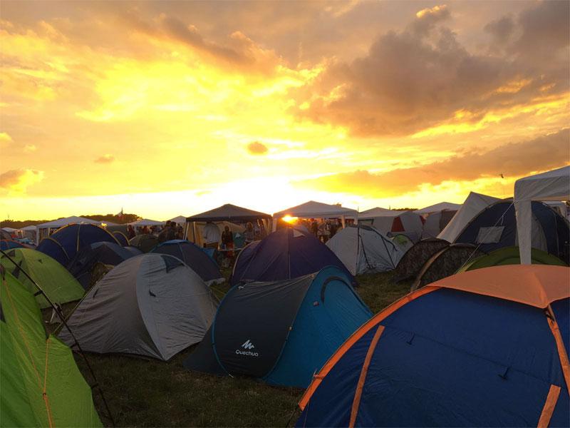 parookaville-campsite-zelte-sonnenuntergang